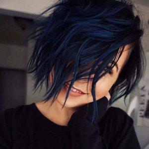 1-Blau-schwarze-haare-fuer-machen