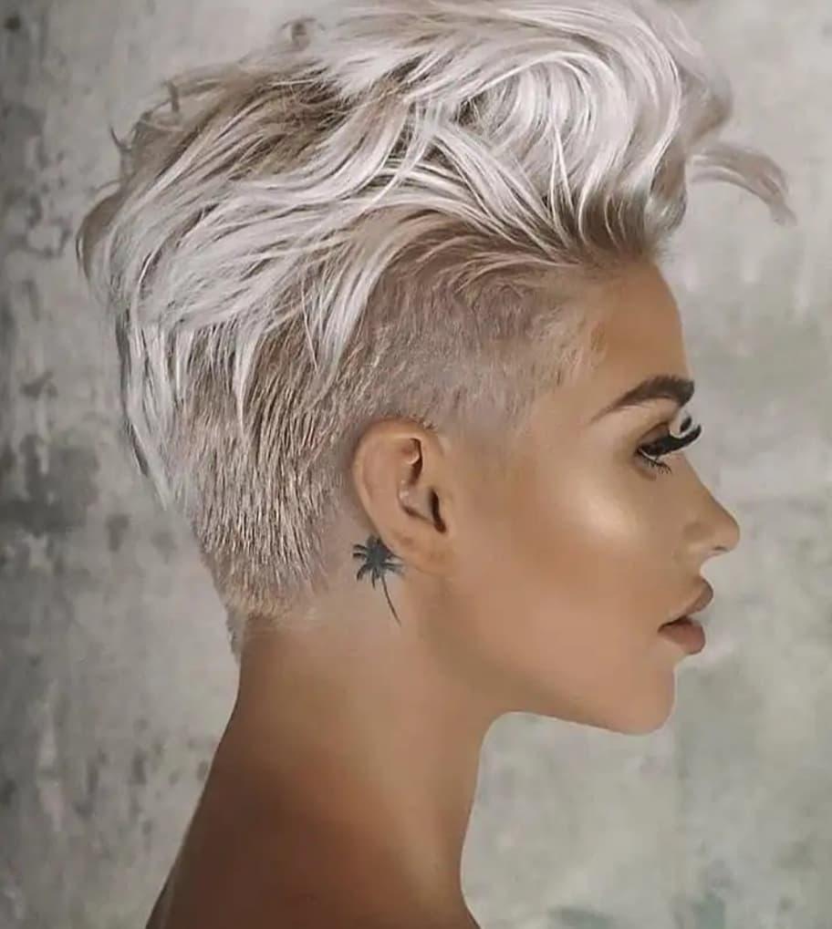 10 Super-Trend kurze Frisuren für graues Haar - Kurze Haare