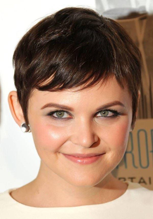 Super süße Looks mit kurzen Frisuren für runde Gesichter