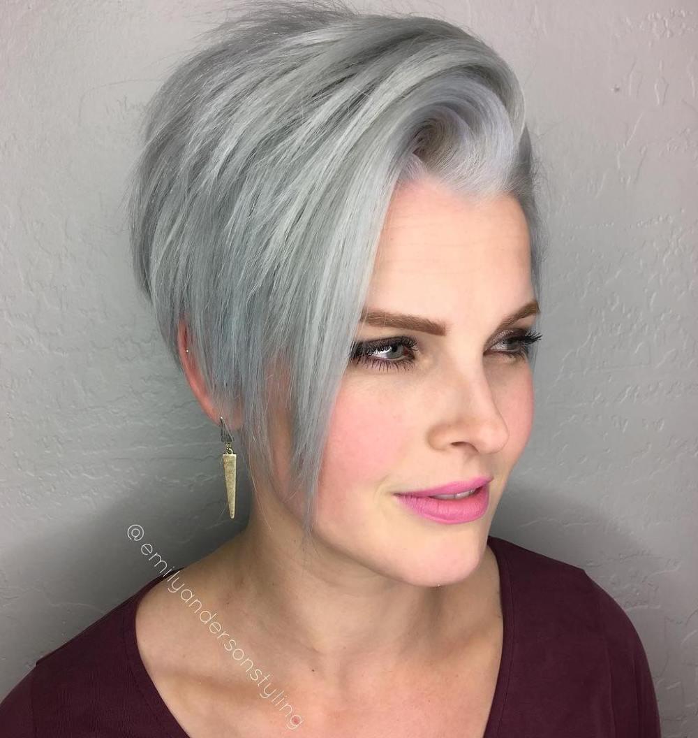 Kurzes Haar für Ihr ovales Gesicht: So bereiten Sie sich auf den kommenden Sommer vor!