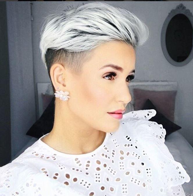 Schauen Sie sich diese 10 entzückende Pixie Frisuren in wunderschönen Farben an