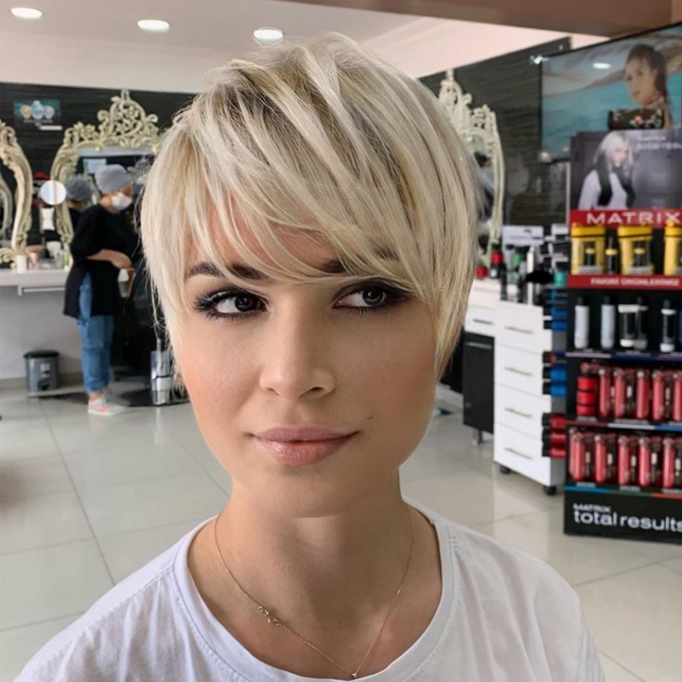kurze-frisuren-schnitt-winter-10